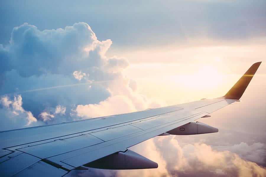 Airplane wing tip